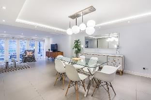 Spectacular 3 Bedroom Apartment  in West London