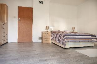 ELLAND HOUSE - DELUXE DOUBLE ROOM