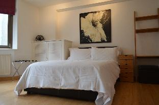 Studio, 8 minute walk to City & 4 to Tower Bridge